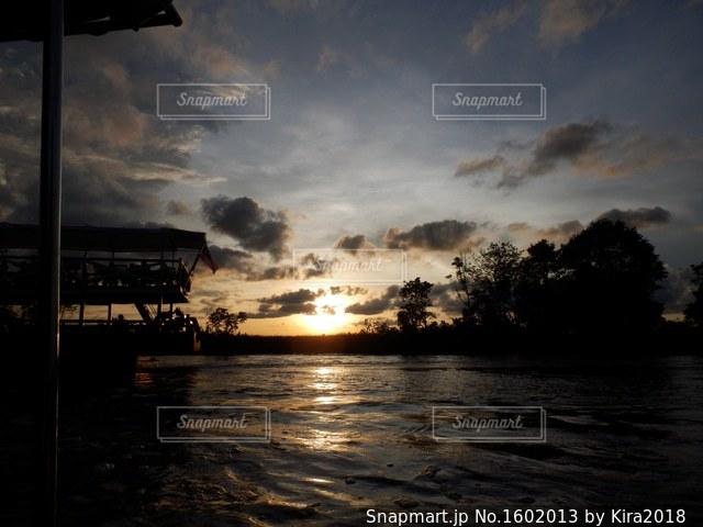 沈む夕日の写真・画像素材[1602013]