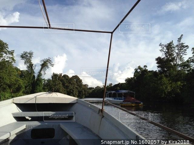 水のボートの写真・画像素材[1602057]