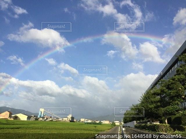 大きな虹の写真・画像素材[1648588]