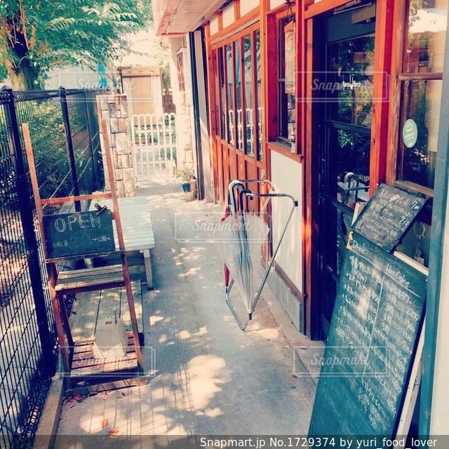 隠れ家カフェの写真・画像素材[1729374]