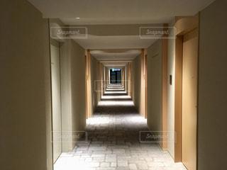 廊下の写真・画像素材[2075238]