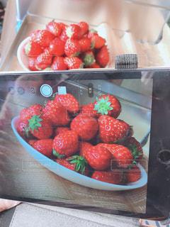食べ物,屋内,赤,いちご,苺,デザート,果物,写真,食品,果実,携帯,ストロベリー,自宅