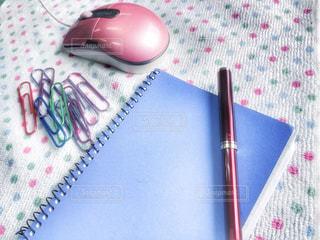 ピンク,水色,ペン,オフィス,パソコン,ノート,可愛い,パステル,グリーン,文房具,パステルカラー,マウス,クリップ,ファンシー,ビジネスシーン