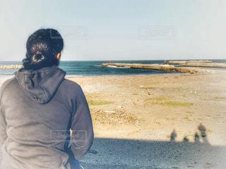 女性,自然,風景,海,空,屋外,後ろ姿,砂浜,海岸,影,女子,人物,背中,人,旅行,宮城県,フォトジェニック,復興支援,被災地,インスタ映え,荒浜,鳥海,亘理郡