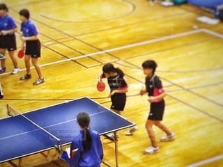 2人,スポーツ,屋内,女子,女の子,ぼかし,人物,人,体育館,インドア,ユニフォーム,卓球,卓球台,ダブルス,インドアスポーツ