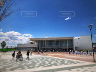 空,建物,群衆,屋外,雲,青空,人物,人,入り口,レジャー,お散歩,仙台,おでかけ,宮城県,宮の杜水族館
