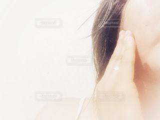 自分撮りをする女性の写真・画像素材[2331091]