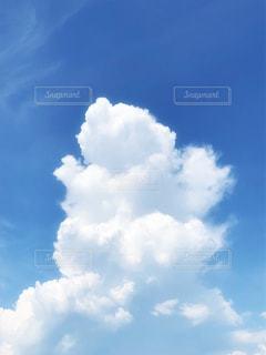 青空の雲の写真・画像素材[2413791]