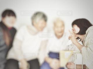 おばあちゃん大好きの写真・画像素材[2463086]