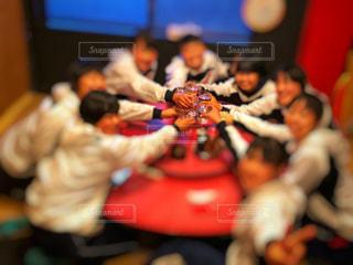 女性,屋内,水,ぼかし,人物,人,グラス,店内,乾杯,ドリンク,女子会,中華料理店,お揃いコーデ,かんばい