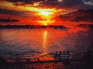 オレンジの太陽の写真・画像素材[3396783]