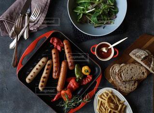 食べ物,食卓,ランチ,グリル,ウインナー,美味しい,パーティー,ボリュームたっぷり,ジョンソンヴィル