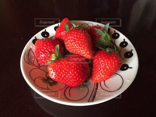 カラフル,いちご,苺,フルーツ,果物,皿,デザイン,新鮮,ストロベリー,複数,イチゴ,連続,配置