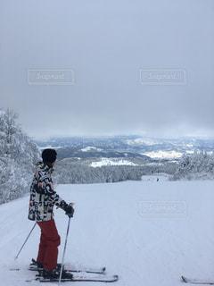 ゲレンデのスキーヤーの写真・画像素材[1746683]