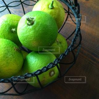 食べ物,フルーツ,果物,果実,ライム,テーブルフォト,グリーン,さわやか,さっぱり