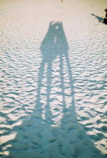 女性,ワンピース,砂浜,影,女の子,光,ハート,フィルム,影遊び,白良浜,白浜,人影,フィルム写真,白い砂浜,フィルムフォト