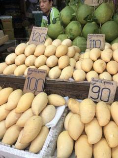 マンゴー,フルーツ,果物,市場,マーケット,新鮮,フレッシュ,街歩き,散策,フレッシュフルーツ,フレッシュマンゴー,タイの市場,タイの風景