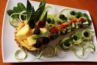 食べ物,緑,黄色,オレンジ,いちご,苺,フルーツ,果物,キウイ,果実,パイナップル,ライム,ミント,食材,イチゴ,ブラックベリー