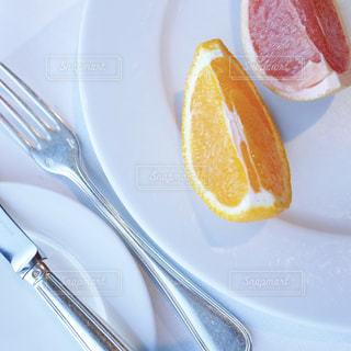 食べ物,オレンジ,テーブル,果物,皿,グレープフルーツ,フレッシュ,フレッシュフルーツ