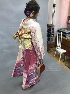 ドレスを着ている女性の写真・画像素材[1759433]
