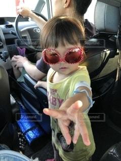 ファッション,アクセサリー,サングラス,車内,子供,女の子,眼鏡,お洒落,逆さま,メガネ