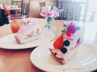 カフェ,ケーキ,かわいい,カラフル,デザート,フルーツ,果物,果実,おしゃれ,フルーツたっぷり