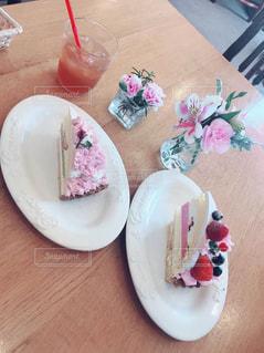 カフェ,花,ケーキ,ピンク,フルーツ,果物,おやつ,可愛い,果実,飾り,Caffe