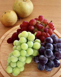 紫,パープル,フルーツ,果物,梨,果実,甘い,葡萄,グリーン,新鮮,果樹園,フレッシュ,シャインマスカット,ピオーネ,フレッシュフルーツ,甲斐路