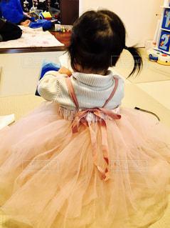 ピンク,後ろ姿,女の子,ドレス,人物,人,後姿,1歳,一歳