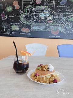 食べ物,パンケーキ,屋内,テーブル,りんご,可愛い,甘い,レストラン,美味しい,お洒落,リンゴパンケーキ