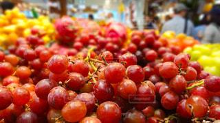 食べ物,赤,フルーツ,果物,市場,果実,カナダ,バンクーバー,食材,グランビルアイランド,ぶどう,グレープ
