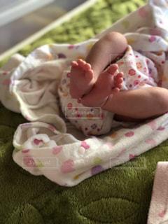 赤ちゃんの足の写真・画像素材[1802780]