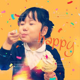 黄色,女の子,アイス,美味しい,happy,yellow,5歳児