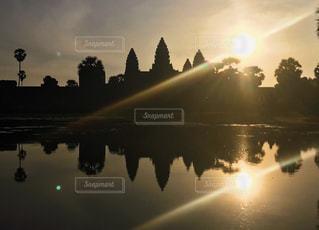 海外,水面,アジア,反射,東南アジア,日の出,寺院,カンボジア,女子旅,海外旅行,一人旅,アンコールワット,朝活,サンライズ,アジア旅行,カンボジア旅行
