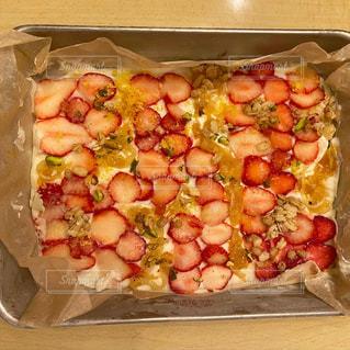 異なる種類の食べ物で満たされた箱の写真・画像素材[3150499]