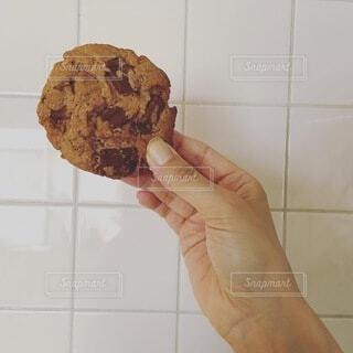 手,手持ち,おやつ,人物,お菓子,クッキー,タイル,ポートレート,ライフスタイル,手元