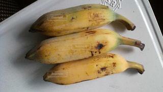 食べ物,黄色,テーブル,イエロー,バナナ,フレッシュフルーツ