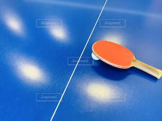 スポーツ,屋内,赤,青,ボール,運動,インドア,卓球,ラケット,ピンポン,ピンポン玉,卓球台,インドアスポーツ