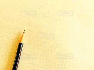 鉛筆と紙の写真・画像素材[2982598]
