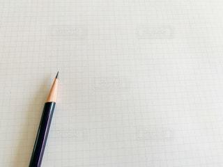 鉛筆と紙の写真・画像素材[2982599]