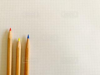 色鉛筆と紙の写真・画像素材[2982601]
