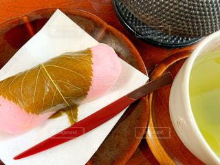 桜餅とお茶の写真・画像素材[2992667]