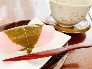桜餅とお茶の写真・画像素材[2992668]