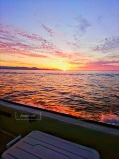 海に沈む夕日の写真・画像素材[3394650]