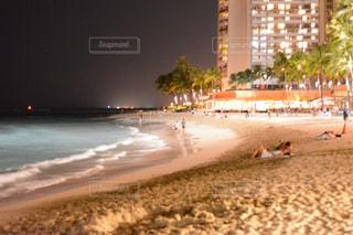 旅行,海外旅行,新婚旅行,ワイキキビーチ,夜のビーチ