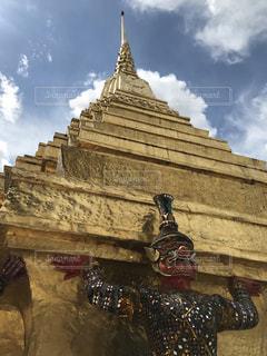 海外,タイ,寺院,寺,海外旅行,バンコク,金色,エメラルド寺院,持ち上げる