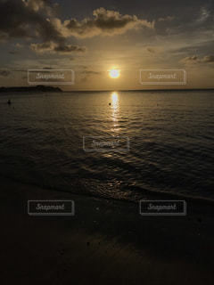 グアムの夕日の写真・画像素材[1841991]