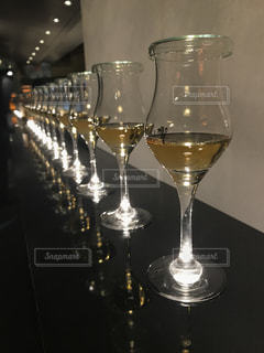 飲み物,黄色,グラス,並ぶ,ウィスキー