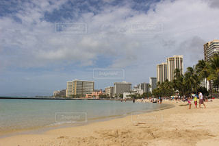 ハワイのビーチ 空と雲の写真・画像素材[1862154]