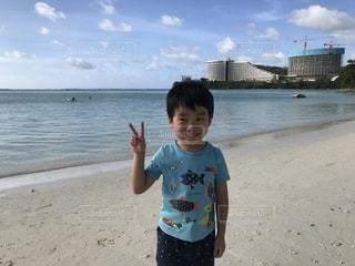 グアム島のビーチでの写真・画像素材[2108209]